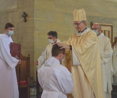 Retour en images sur l'ordination diaconale en vue du sacerdoce de Maxime Labesse.